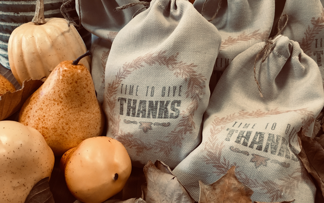 Thanksgiving Gift Bags: Free Printable Transfer